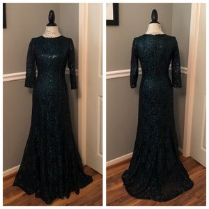 TAHARI GREEN BLACK LACE SEQUINED BALL GOWN